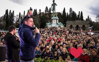 Bacio al Piazzale.. amore per Firenze